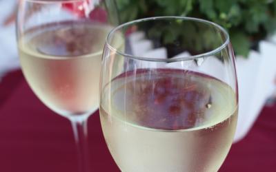 Weinprobe auf dem Marktplatz