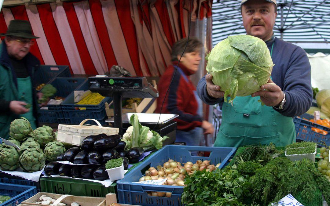 Der Vieh- und Krammarkt in Waldbröl findet wieder statt, mit reduziertem Angebot und, ganz wichtig, mit Maskenpflicht