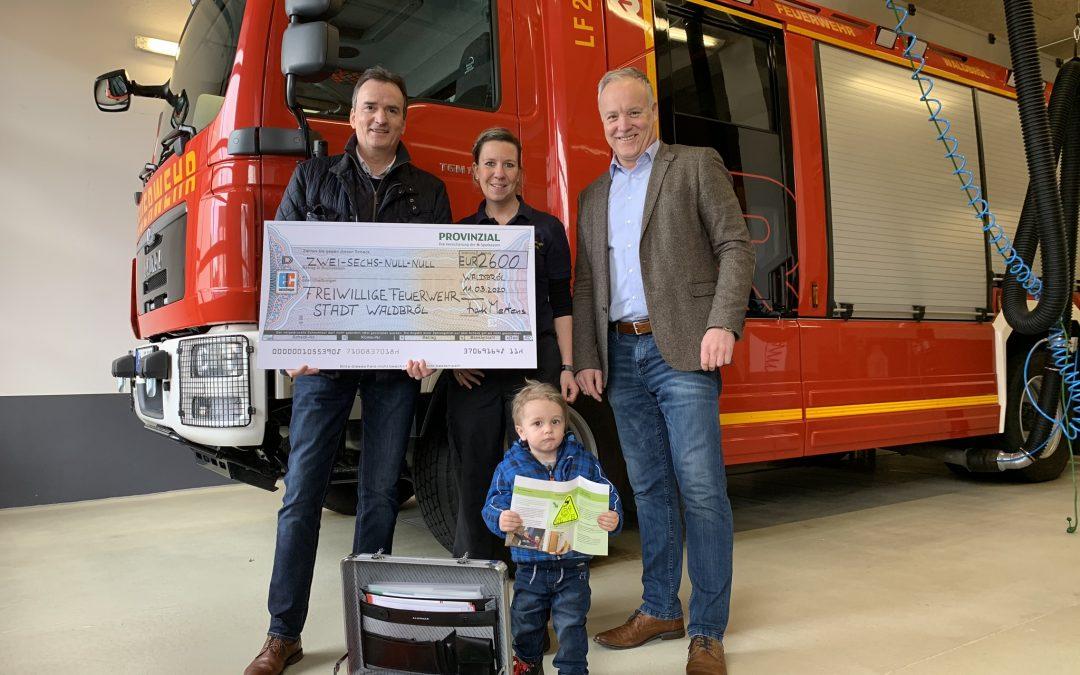 Provinzial-Geschäftsstelle Mertens feiert 70-jähriges Jubiläum und fördert die Freiwillige Feuerwehr in Waldbröl