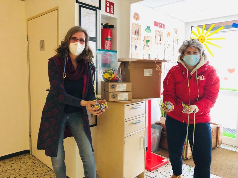 Kindergärten erhielten jecke Partybox von der WKG